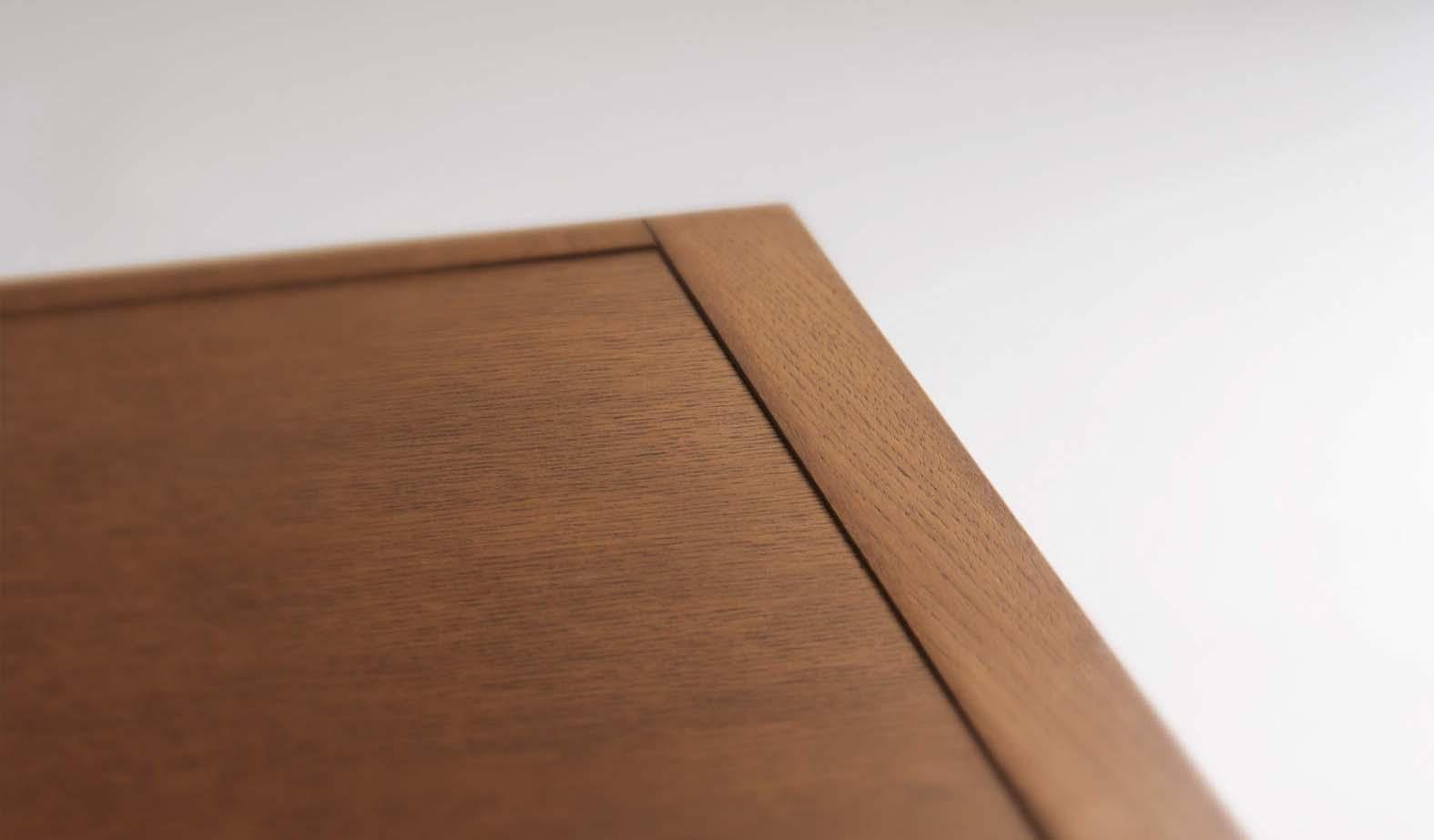Cánh tủ gỗ tự nhiên